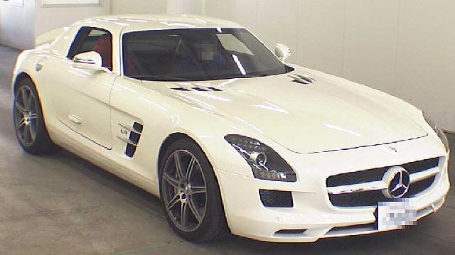 (2012年2月及び3月)ベンツSLSAMGとアウディR8(4200cc)のオークションの落札相場