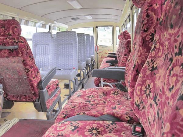 新幹線カスタム仕様・日産シビリアン(バス)&日産リーフのリムジン仕様の動画