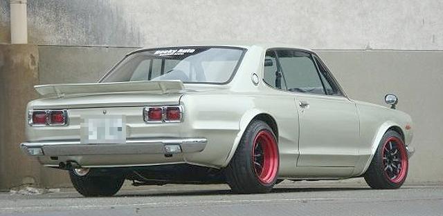 RB25(NA)エンジン換装ハコスカ2ドア(R仕様)&痛車展示会あうとさろーね2012夏の動画