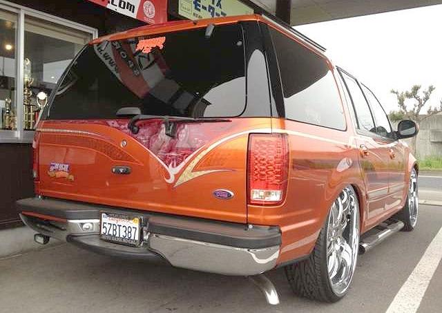 ロールスロイスフォントム顔!!フォード初代エクスペディション&F50シーマでスリーホイラーの動画