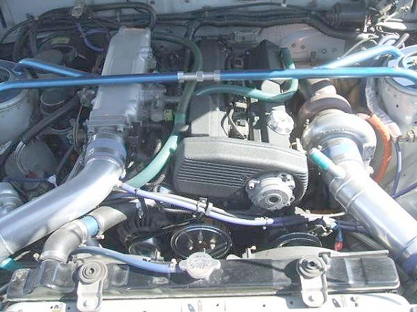 CA18DETエンジン換装・6代目ブルーバード(910型)&スーパーニュースの鍋田ドリフト特集の動画