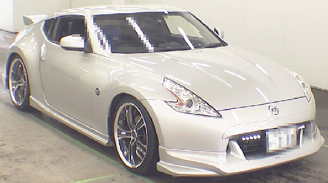 2012年7月現行モデル!Z34型6代目フェアレディZのオークション落札相場