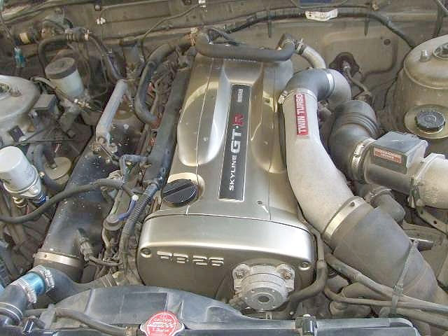 オートサロン2010出品ワイド化!Z33型フェアレディZ&RB26エンジン換装R31系スカイラインワゴンの紹介。
