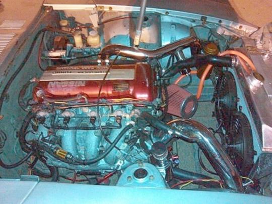 (海外より)2JZエンジン換装!三菱スタリオン&海外SR20エンジン搭載ダットサン240Z(S30系)