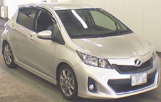 2012年10月3代目NCP131型モデル・ヴィッツRSのオークション落札相場