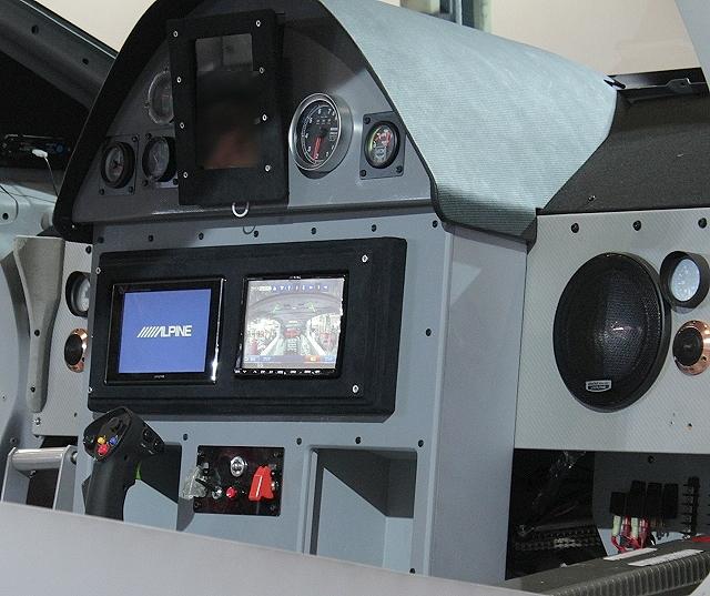 忙しい人の為の東京オートサロン2013「戦闘機カスタム!3代目プリウスZVW30型」