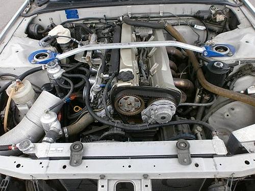 輸出用RB30エンジン換装NA仕上げ!R32型スカイラインGTS2.5&R32スカイラインGTS2.5のCM動画