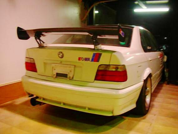 (2011年)1JZ-GTEエンジン搭載!E36型BMW320i&V8型LS3エンジン搭載BMW・M3の動画