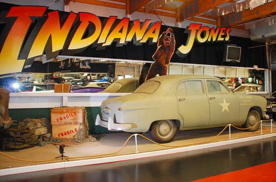 (海外)映画インディージョーンズ!劇中車フォード・デラックス4ドア&インディジョーンズ!フォードデラックスの動画