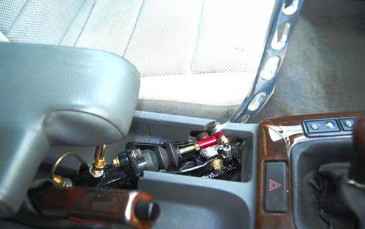 (海外)2JZエンジン換装!油圧サイド搭載!E36系BMW3シリーズ&1JZエンジン換装アルテッツァの動画