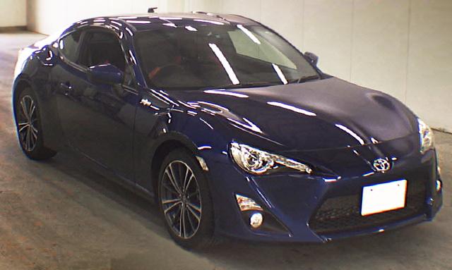 (2013年6月)走行距離3000キロ!6速MTモデル!トヨタ86GT(ZN6)のオークション落札相場
