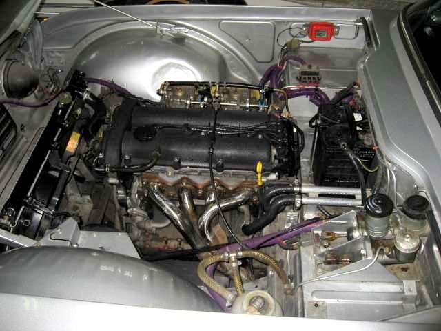 マツダB6エンジントライアンフTR420131025_3