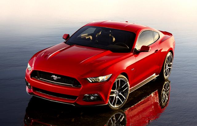 新型フォードマスタングをローダウン化、ホイール履き替え、ボディカラー変更!!