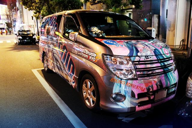 2014年1月31日撮影!秋葉原痛車ストリート(レーシングミク・E51型エルグランド)