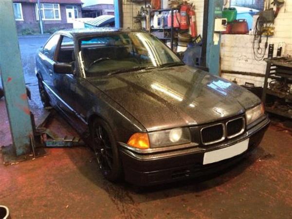 (海外)ブラックヘッドSR20DETエンジン換装!E36型BMW318isクーペ&当時1992年E36型BMW325isのCM動画