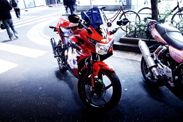 2014年3月15日撮影!秋葉原痛車ストリート(ラブライブ!小泉花陽仕様・痛単車ホンダCBR150R)