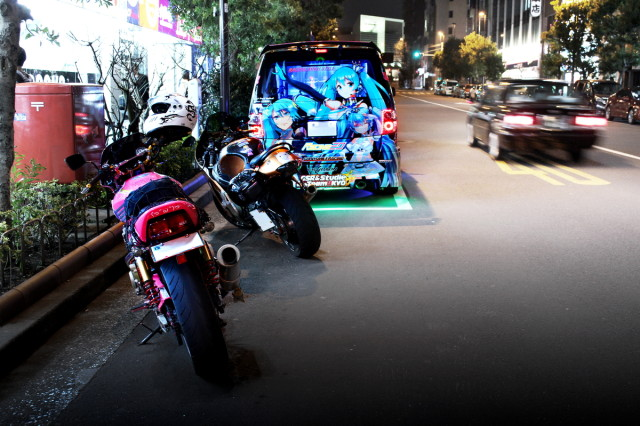 2014年2月28日撮影秋葉原痛車ストリート(痛単車CB400SF・隼&黒ミクファード)