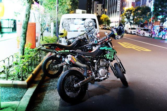 3月22日撮影!秋葉原痛車ストリート(ぷにっとガチャ20系プリウス・カスタムバイク)
