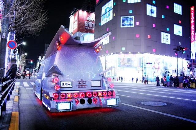 2014年3月22日撮影!秋葉原痛車ストリート!(100型バニングハイエース)