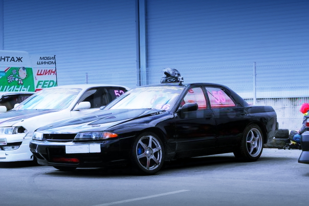 (ロシア)VVTi仕様1JZ-GTEエンジンスワップ!ワイドボディ!R32スカイライン4ドア&1UZ-FEエンジン移植GX81マークⅡの動画