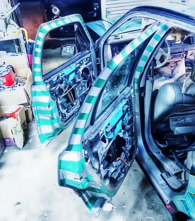 トップシークレット製作600馬力!TO4ZタービンBNR34スカイラインGT-R・Vスペック&ミク仕様ローライダーのタウンカー動画