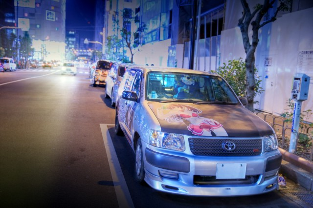 2014年8月17日コミケ86最終日終了後!秋葉原痛車ストリート(中二病でも恋がしたいモリサマー仕様P51V系サクシードバン)
