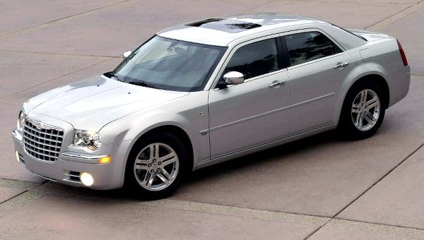 Chrysler300base2014814_1