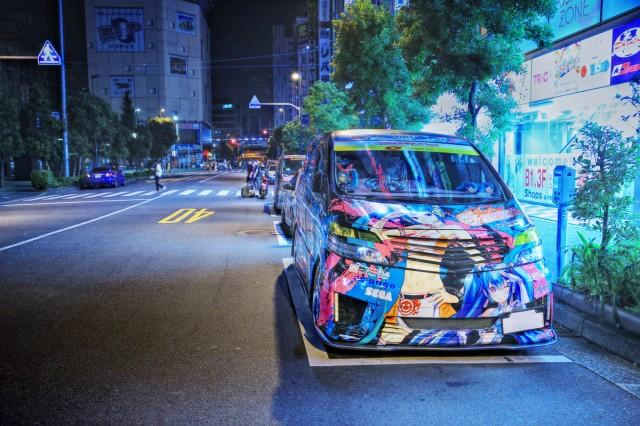 2014年7月26日撮影!秋葉原痛車ストリート(黒ミクファード・雪ミクハリアー・EG51型エルグランド)