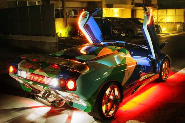 エミリオプッチ柄ランピング!LD4型ランボルギーニ・ディアブロVTロードスター&掲載車両の動画