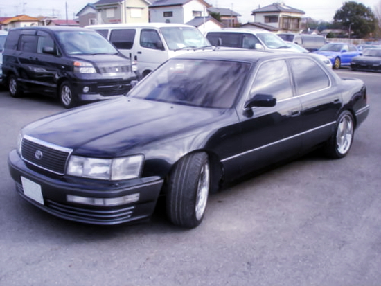 (AU)元々は国内?2JZ-GTEツインターボEG移植!初代トヨタ・セルシオ&1UZエンジン移植!前期S14日産240SXの動画