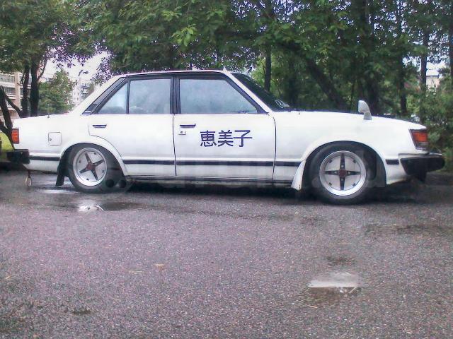 (ロシア)V8型1UZエンジン移植!70型スープラ&(ロシア)街道レーサー!恵美子仕様?初代トヨタ・カムリ