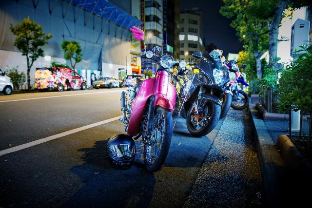 2014年11月2日撮影!秋葉原痛車ストリート(C50カブ・CB400SF・ハヤブサ・DR-Z400SM)