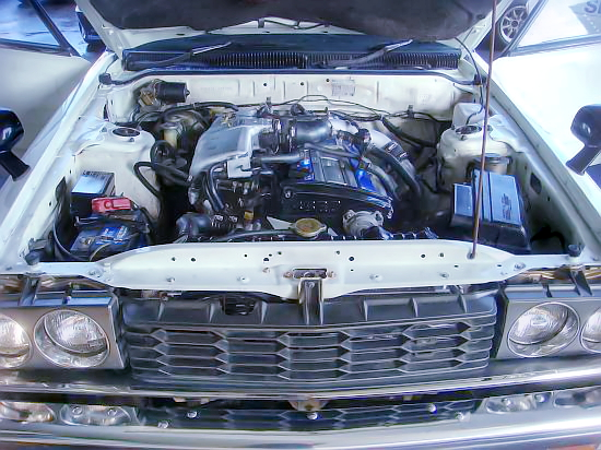 RB20DETエンジン換装!パワステエアコン装備!前期丸4灯仕様GC211スカイラインジャパン4ドア