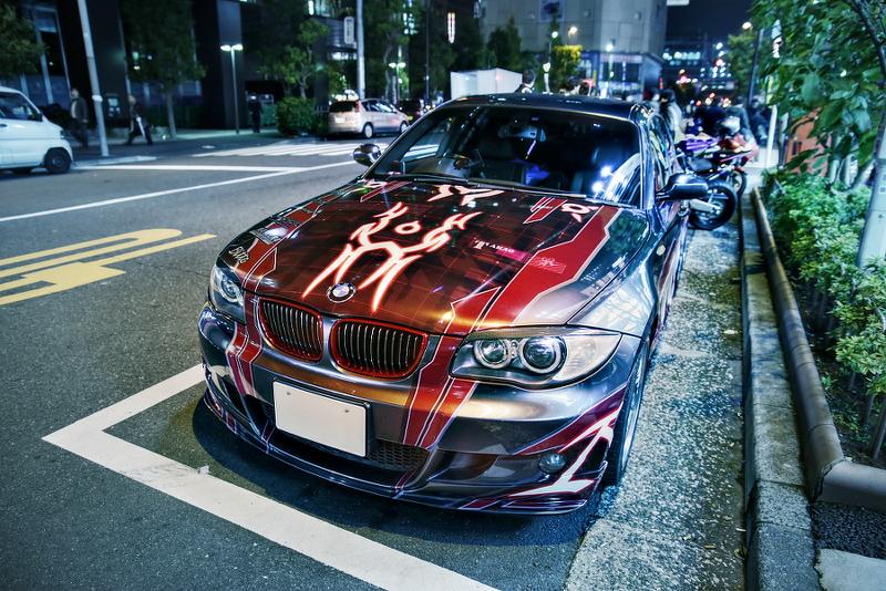 2014年11月28日撮影!秋葉原痛車ストリート(BMW130i/にこまきVOXY/Y34グロリア/CB400SF)