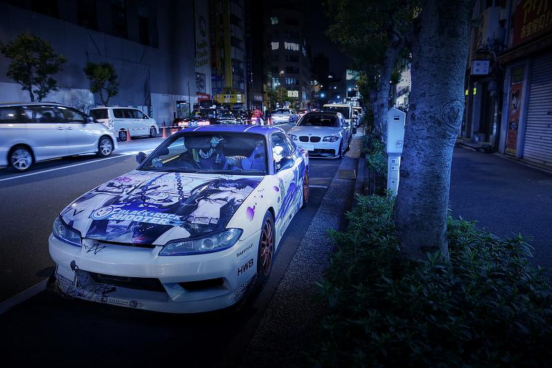 2015年1月16日撮影!秋葉原痛車ストリート(S15シルビア(ごっちんさん)黒ミクファード(梅吉さん))