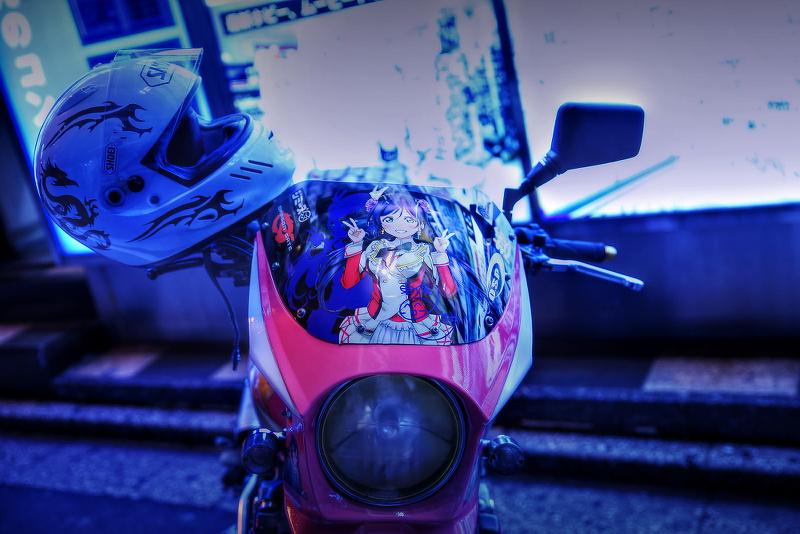 コミケ87終了後撮影!秋葉原痛車ストリート(CB400SF(ていおーさん)/ハヤブサ/ホンダDIO(肉汁王子さん)