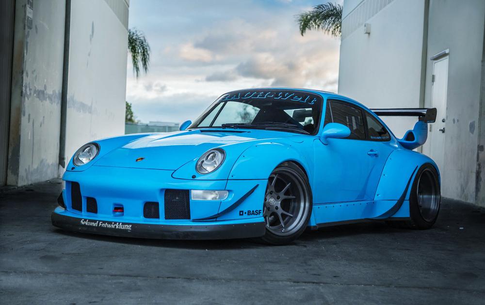 (海外)ロサンゼルス1号車!RWBワイドボディ!993型ポルシェ911&掲載車の動画