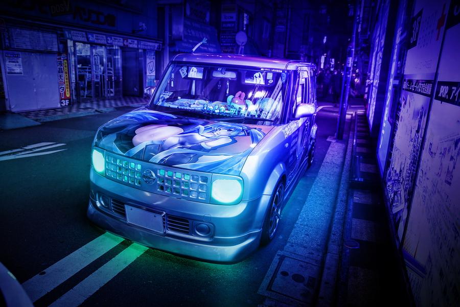 2015年2月13日撮影!秋葉原痛車ストリート(ボーカロイド初音ミク/日産キューブ(どんちきしぐ。さん))