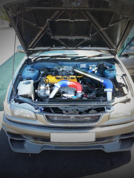(南アフリカ)3S-GTEターボエンジン移植!8代目E110型カローラ4ドアセダン&名古屋オートトレンド警察動画