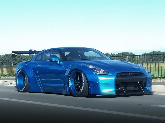 LB-WORKSワイドボディ!特注キャンディブルー!R35日産GT-RブラックED&オートレジェンド2015爆音大会動画