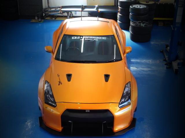 LB-WORKSバージョン1ワイドボディキット装着!マットオレンジカラー仕上げ!R35日産GT-R