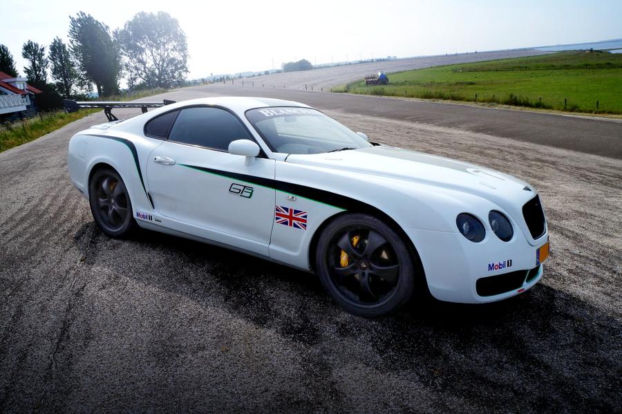 ベントレー・コンチネンタルGTレプリカ仕上げ!GT3Rステッカー貼り付け!JZA80スープラSZのオランダ中古車を紹介!