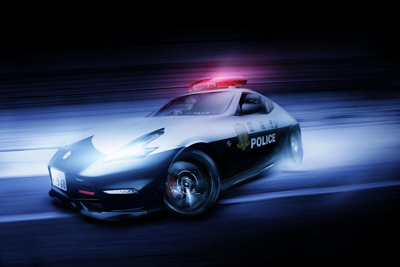 警視庁が公開したパトカー仕様Z34フェアレディZニスモをドリフトしている画像に仕上げてみました。