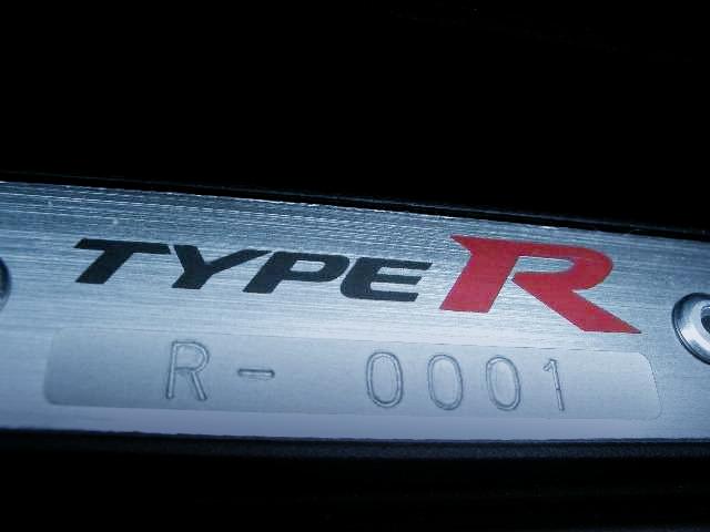 限定750台中シリアルナンバー1号車!未使用!4代目FK2型シビック・タイプRの国内車両物件を掲載