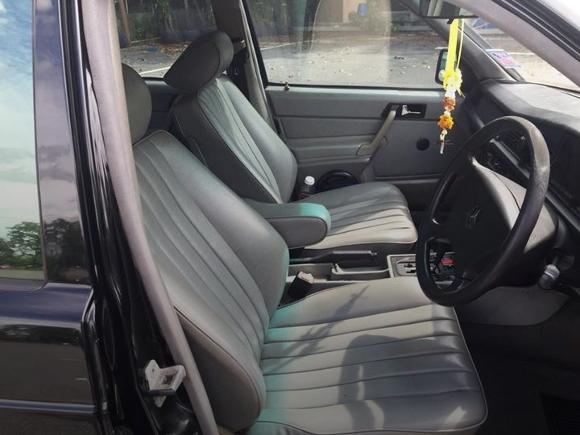 BENZ 190E SEAT