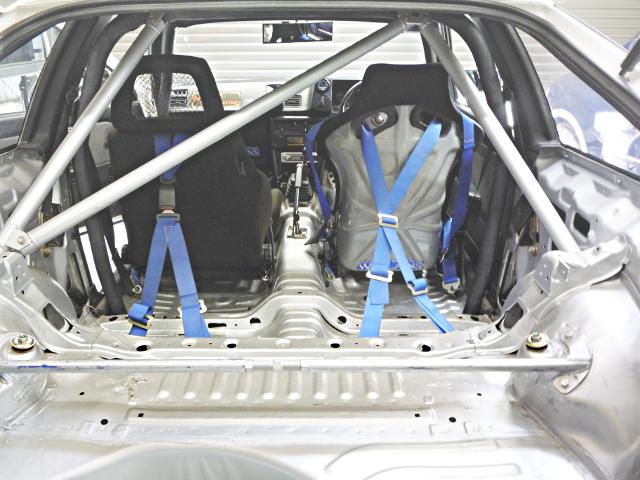 BUCKET SEAT ROLLBAR INTERIOR
