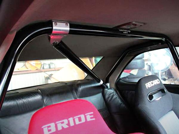 ROLLBAR BRIDE SEAT INTERIOR