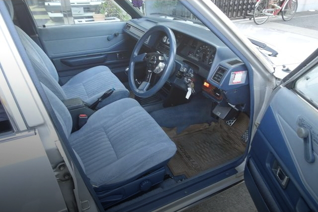 INTERIOR TYPE-70 COROLLA 4-DOOR