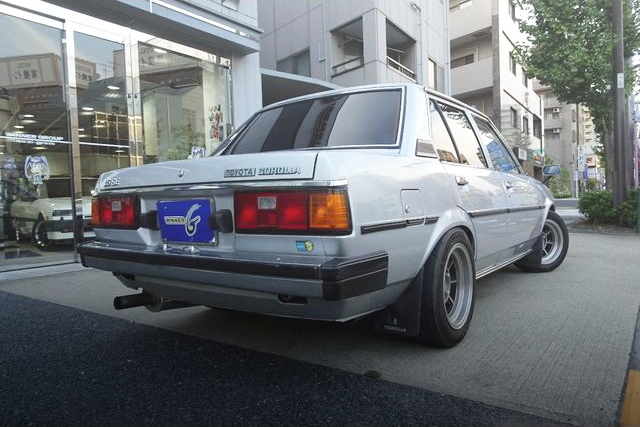 REAR EXTERIOR TYPE-70 COROLLA 4-DOOR