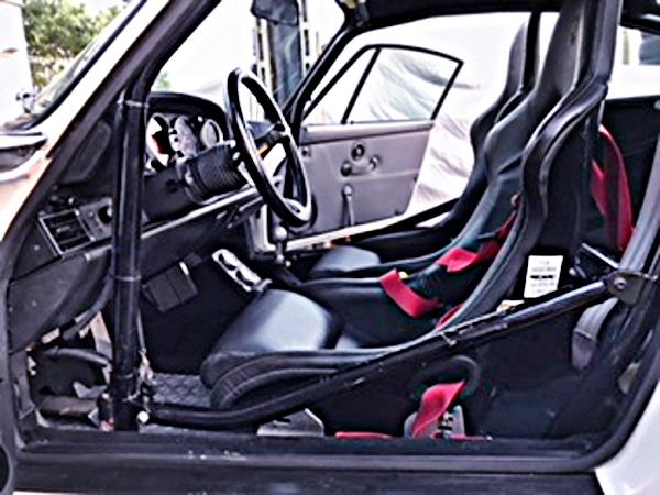 INTERIOR ROLLBAR AND BUCKET SEAT